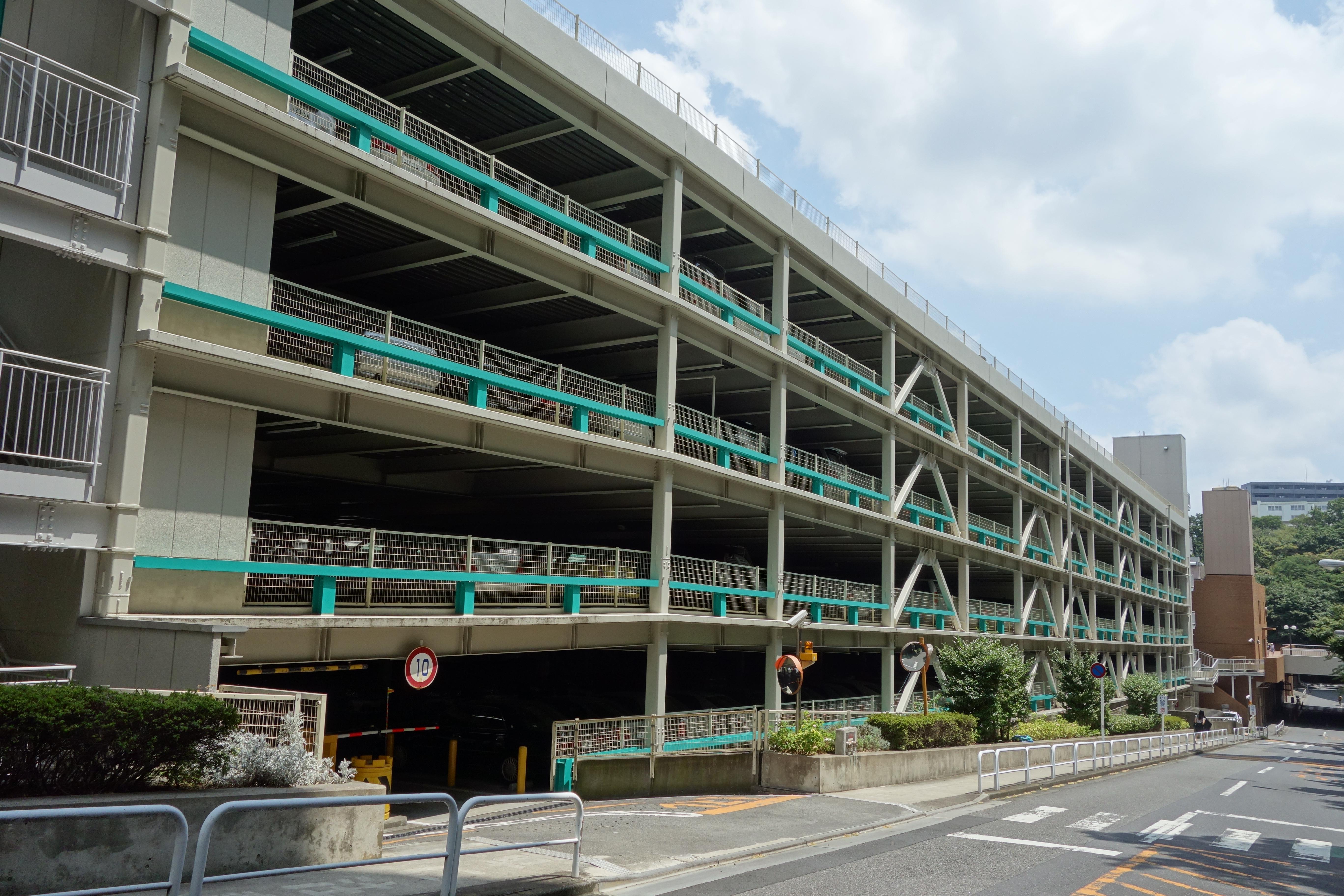 サンシティ北駐車場